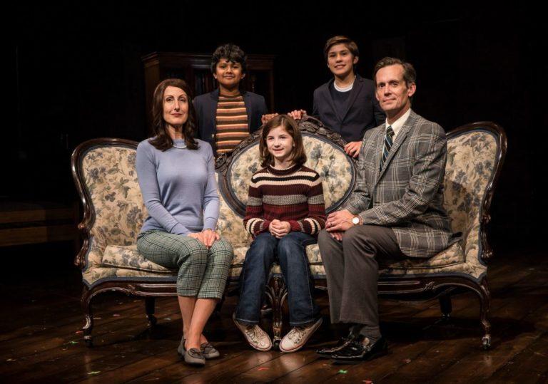 """Review: A Brilliant """"Fun Home"""""""